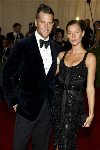 "<div class=""meta ""><span class=""caption-text "">Tom Brady and Gisele Bundchen arrive at the Metropolitan Museum of Art Costume Institute gala benefit, celebrating Elsa Schiaparelli and Miuccia Prada, Monday, May 7, 2012 in New York. (AP Photo/Charles Sykes) (AP Photo/ Charles Sykes)</span></div>"