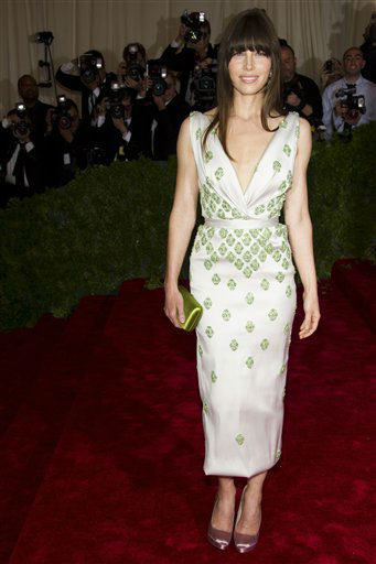 "<div class=""meta ""><span class=""caption-text "">Jessica Biel arrives at the Metropolitan Museum of Art Costume Institute gala benefit, celebrating Elsa Schiaparelli and Miuccia Prada, Monday, May 7, 2012 in New York. (AP Photo/Charles Sykes) (AP Photo/ Charles Sykes)</span></div>"