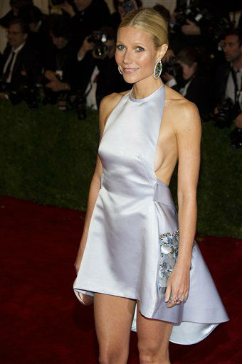 "<div class=""meta image-caption""><div class=""origin-logo origin-image ""><span></span></div><span class=""caption-text"">Gwyneth Paltrow arrives at the Metropolitan Museum of Art Costume Institute gala benefit, celebrating Elsa Schiaparelli and Miuccia Prada, Monday, May 7, 2012 in New York. (AP Photo/Charles Sykes) (AP Photo/ Charles Sykes)</span></div>"