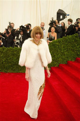 "<div class=""meta ""><span class=""caption-text "">Anna Wintour arrives at the Metropolitan Museum of Art Costume Institute gala benefit, celebrating Elsa Schiaparelli and Miuccia Prada, Monday, May 7, 2012 in New York. (AP Photo/Charles Sykes) (AP Photo/ Charles Sykes)</span></div>"