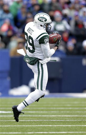New York Jets wide receiver Jordan White &#40;89&#41; catches a pass from quarterback Mark Sanchez during the second half of an NFL football game against the Buffalo Bills on Sunday, Dec. 30, 2012, in Orchard Park, N.Y. &#40;AP Photo&#47;Gary Wiepert&#41; <span class=meta>(AP Photo&#47; Gary Wiepert)</span>