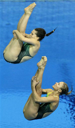 Anabelle Smith and Sharleen Stratton from Australia compete during the 3 Meter Synchronized Springboard final at the Aquatics Centre in the Olympic Park during the 2012 Summer Olympics in London, Sunday, July 29, 2012. &#40;AP Photo&#47;Michael Sohn&#41; <span class=meta>(AP Photo&#47; Michael Sohn)</span>