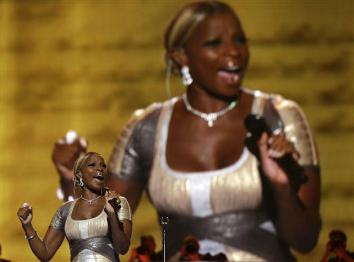 Singer Mary J. Blige performs during the Democratic National Convention in Charlotte, N.C., on Thursday, Sept. 6, 2012. &#40;AP Photo&#47;Charles Dharapak&#41; <span class=meta>(AP Photo&#47; Charles Dharapak)</span>