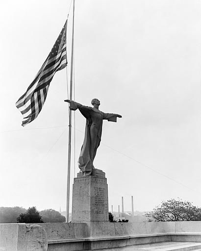 A memorial to the men who perished in the Titanic disaster of 1912 was unveiled in Washington, D.C., on May 26, 1931, near the Licoln Memorial. The memorial is dedicated to the &#34;men who gave their lives that woman and children might be saved&#34;. President Hoover was among the many distingueshed guests. &#40;AP Photo&#41; <span class=meta>(AP Photo&#47; XMH)</span>