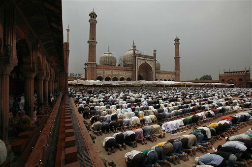 Indian Muslims pray at the Jama mosque on the first Friday of Ramadan in New Delhi, India, Friday, July 27, 2012. Muslims throughout the world are marking the holy month of Ramadan, where observants fast from dawn till dusk. &#40;AP Photo&#47;Rajesh Kumar Singh&#41; <span class=meta>(AP Photo&#47; Rajesh Kumar Singh)</span>