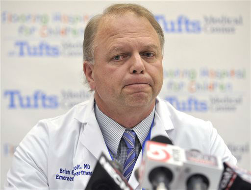 "<div class=""meta ""><span class=""caption-text "">Dr. Brien Barnewolt, chair of emergency medicine at Tufts Medical Center in Boston, speaks to reporters at the hospital, Tuesday, April 16, 2013. Barnewolt was among the staff who treated the 14 patients injured in the bombing at the finish of the Boston Marathon who were treated at Tufts. (AP Photo/Josh Reynolds) (AP Photo/ JOSH REYNOLDS)</span></div>"