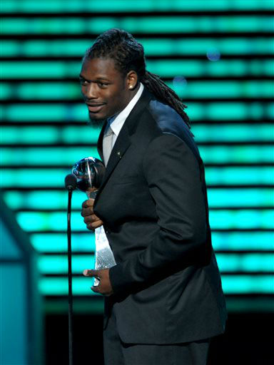 NFL player Jadeveon Clowney accepts the award for best play at the ESPY Awards on Wednesday, July 17, 2013, at the Nokia Theater in Los Angeles. &#40;Photo by John Shearer&#47;Invision&#47;AP&#41; <span class=meta>(Photo&#47;John Shearer)</span>