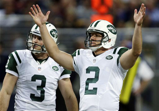New York Jets kicker Nick Folk, right, celebrates alongside Robert Malone after making a 51-yard field goal during the second quarter of an NFL football game against the St. Louis Rams, Sunday, Nov. 18, 2012, in St. Louis. &#40;AP Photo&#47;Tom Gannam&#41; <span class=meta>(AP Photo&#47; Tom Gannam)</span>