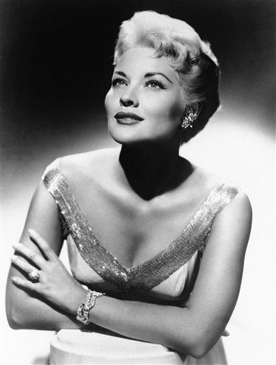 FILE - This 1958 file photo shows singer Patti Page. Page, who made &#34;Tennessee Waltz&#34; the third best-selling recording ever, has died. She was 85.  Page died Jan. 1, 2013,  in Encinitas, Calif., according to her manager. &#40;AP Photo, file&#41; <span class=meta>(AP Photo&#47; Uncredited)</span>