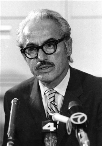 FILE - This April 3, 1972 file photo shows Marvin Miller, executive director of the Major League Baseball Players Association, talking to reporters in New York. Miller, the union leader who created free agency for baseball players and revolutionized professional sports with multimillion dollar contracts, died Tuesday, Nov. 27, 2012 in New York. He was 95. &#40;AP Photo&#47;File&#41; <span class=meta>(AP Photo&#47; Uncredited)</span>