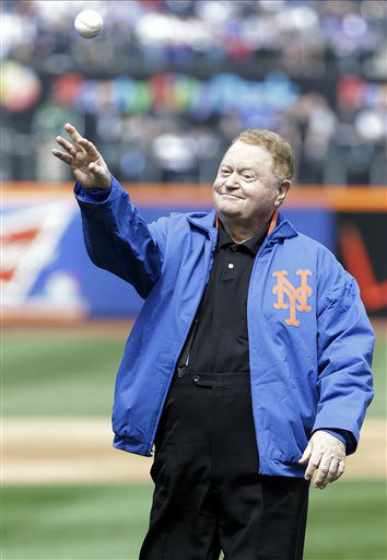 Rusty Staub delivers there ceremonial first pitch before an opening day baseball game between the New York Mets and the San Diego Padres Monday, April 1, 2013, in New York. &#40;AP Photo&#47;Frank Franklin II&#41; <span class=meta>(AP Photo&#47; Frank Franklin II)</span>