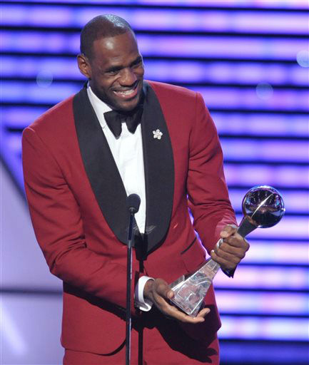 "<div class=""meta ""><span class=""caption-text "">LeBron James accepts the award for best male athlete at the ESPY Awards on Wednesday, July 17, 2013, at Nokia Theater in Los Angeles. (Photo by John Shearer/Invision/AP) (Photo/John Shearer)</span></div>"