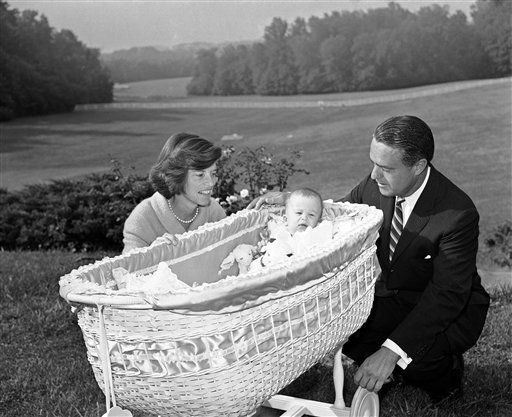 "<div class=""meta image-caption""><div class=""origin-logo origin-image ""><span></span></div><span class=""caption-text"">ABC News has confirmed with family sources that Sargent Shriver has died. He was 95. (Jan 18, 2011)   (AP Photo/ Byron Rollins)</span></div>"