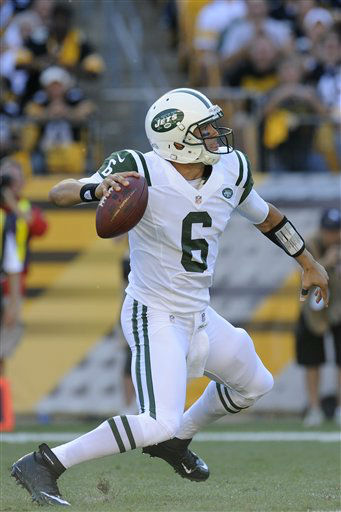 New York Jets quarterback Mark Sanchez &#40;6&#41; passes in the first quarter of an NFL football game against the Pittsburgh Steelers on Sunday, Sept. 16, 2012, in Pittsburgh. &#40;AP Photo&#47;Don Wright&#41; <span class=meta>(AP Photo&#47; Don Wright)</span>