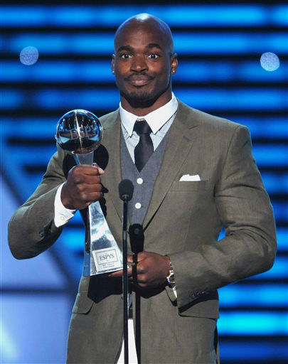 "<div class=""meta ""><span class=""caption-text "">Adrian Peterson accepts the award for best comeback at the ESPY Awards on Wednesday, July 17, 2013, at Nokia Theater in Los Angeles. (Photo by John Shearer/Invision/AP) (Photo/John Shearer)</span></div>"