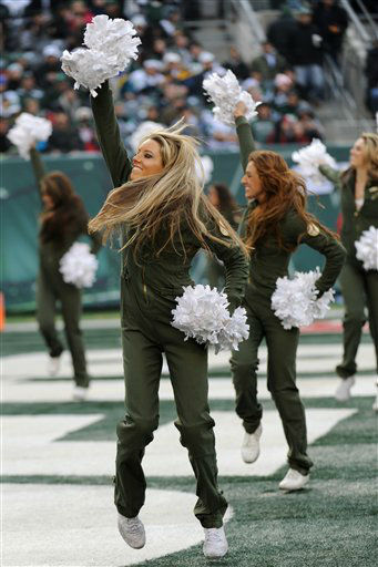 New York Jets cheerleaders perform during the first half of an NFL football game between the Jets and the Arizona Cardinals, Sunday, Dec. 2, 2012, in East Rutherford, N.J.    <span class=meta>( &#40;AP Photo&#47;Bill Kostroun&#41;)</span>