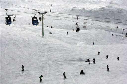 Iranians enjoy skiing at the Dizin ski resort, north of the capital Tehran, Iran, Thursday, Feb. 28, 2013. &#40;AP Photo&#47;Vahid Salemi&#41; <span class=meta>(AP Photo&#47; Vahid Salemi)</span>