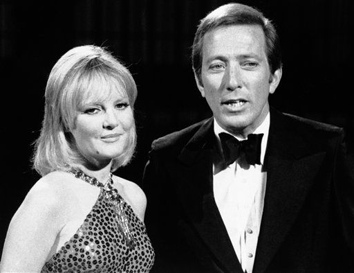 Andy Williams is host to English songstress Petula Clark on Saturday, January 2, colorcast of &#34;The Andy Williams Show&#34; Dec. 4, 1970. &#40;AP Photo&#41; <span class=meta>(AP Photo&#47; Anonymous)</span>