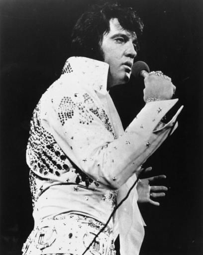 "<div class=""meta ""><span class=""caption-text "">The legendary Elvis Presley takes on Madison Square Garden, June 5, 1972, in his first New York City appearance.  (AP Photo) (AP Photo/ Anonymous)</span></div>"