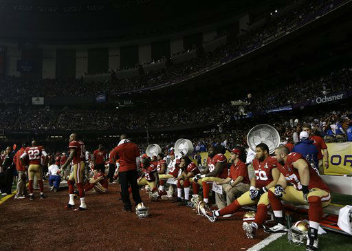 The San Francisco 49ers sit on the bench during a power outage in the second half of the NFL Super Bowl XLVII football game against the Baltimore Ravens, Sunday, Feb. 3, 2013, in New Orleans. &#40;AP Photo&#47;Matt Slocum&#41; <span class=meta>(AP Photo&#47; Matt Slocum)</span>