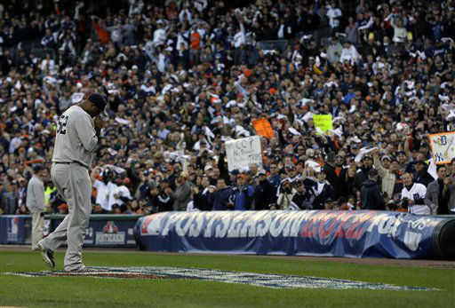 New York Yankees&#39; CC Sabathia leaves the game in the fourth inning during Game 4 of the American League championship series against the Detroit Tigers Thursday, Oct. 18, 2012, in Detroit. &#40;AP Photo&#47;Matt Slocum&#41; <span class=meta>(AP Photo&#47; Matt Slocum)</span>