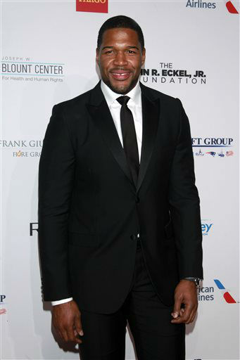 "<div class=""meta image-caption""><div class=""origin-logo origin-image ""><span></span></div><span class=""caption-text"">Michael Strahan arrives at the Elton John AIDS Foundation's 12th Annual ""An Enduring Vision"" benefit gala at Cipriani Wall Street on Tuesday, Oct. 15, 2013 in New York. (Photo by Carlo Allegri/Invision/AP) (Photo/Carlo Allegri)</span></div>"