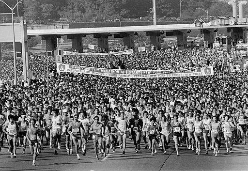 More than 11,000 runners leave the starting line in Staten Island for the running of the 26-mile New York City Marathon, Sunday, Oct. 22, 1978.  Bill Rodgers, maintaining a torrid pace despite unseasonable heat, won the marathon for the third consecutive year, while Grete Waitz of Norway ran the fastest time ever in the women&#39;s division.  &#40;AP Photo&#47;Carlos Rene Perez&#41; <span class=meta>(AP Photo&#47; CARLOS RENE PEREZ)</span>