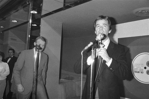 Dick Clark in New York in 1983. &#40;AP Photo&#47;Dave Pickoff&#41; <span class=meta>(AP Photo&#47; Dave Pickoff)</span>