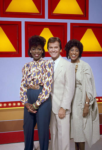 Dick Clark hosts Roxie Roker and Maria Gibbs on his show &#34;The New 25,000. Pyramid.&#34; September 6, 1984. &#40;AP Photo&#41; <span class=meta>(AP Photo&#47; XJFM RCC)</span>