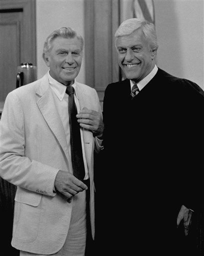 "<div class=""meta ""><span class=""caption-text "">Actor Andy Griffith and Dick Van Dyke pose on the set of the series ?Matlock? in which Griffith stars in March 1986. (AP Photo) (AP Photo/ XJFM)</span></div>"