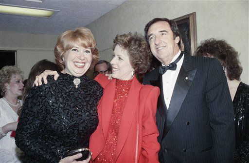 Beverly Sills, Carol Burnett and Jim Nabors on April 26, 1986. &#40;AP Photo&#47;Nick Ut&#41; <span class=meta>(AP Photo&#47; Nick Ut)</span>