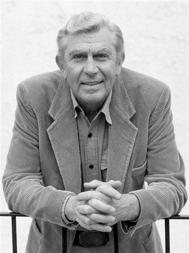Actor Andy Griffith talking about his future television plans in Los Angels, March 23, 1987. &#40;AP Photo&#47;Nick Ut&#41; <span class=meta>(AP Photo&#47; Nick Ut)</span>