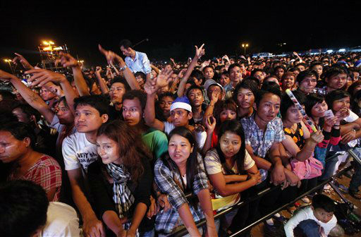 "<div class=""meta ""><span class=""caption-text "">Merry makers cheer as they welcome 2013 New Year at the first ever public New Year Countdown at Myoma grounds in Yangon, Mayanmar, Monday, Dec.31, 2012. (AP Photo/Khin Maung Win) (AP Photo/ Khin Maung Win)</span></div>"