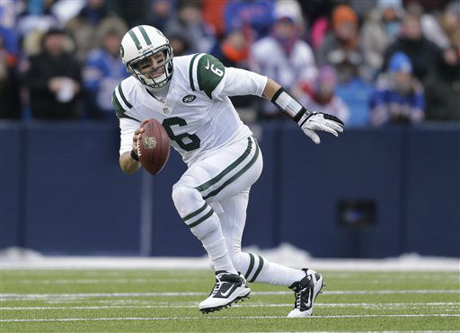 New York Jets quarterback Mark Sanchez &#40;6&#41; scrambles during the second half of an NFL football game against the Buffalo Bills on Sunday, Dec. 30, 2012, in Orchard Park, N.Y. &#40;AP Photo&#47;Gary Wiepert&#41; <span class=meta>(AP Photo&#47; Gary Wiepert)</span>