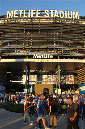 Fans arrive before an NFL football game between the New York Giants and the Dallas Cowboys at MetLife Stadium Wednesday, Sept. 5, 2012, in East Rutherford, N.J. <span class=meta>(AP Photo&#47;Seth Wenig)</span>