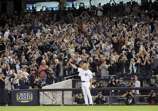 "<div class=""meta ""><span class=""caption-text "">Mariano Rivera said goodbye to Yankee Stadium with hugs, tears and cheers.</span></div>"