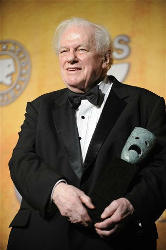 "<div class=""meta image-caption""><div class=""origin-logo origin-image ""><span></span></div><span class=""caption-text"">In this Sunday, Jan. 27, 2008 photo, Charles Durning holds his life achievement award at the 14th Annual Screen Actors Guild Awards in Los Angeles. Durning, the two-time Oscar nominee who was dubbed the king of the character actors for his skill in playing everything from a Nazi colonel to the pope, died Monday, Dec. 24, 2012 at his home in New York City. He was 89. (AP Photo/Chris Pizzello) (AP Photo/ Chris Pizzello)</span></div>"