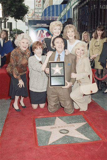 Actor Jim Nabors, best known for his role as television&#39;s Gomer Pyle, received a star on Hollywood&#39;s Walk of Fame on Thursday, Jan.31,1991 in Los Angeles.  Nabor is surrounded by his friends &#40;front left to right&#41; Phyllis Diller, Carol Burnett, Florence Henderson, Ruth Buzzi, and Loni Anderson. &#40;AP Photo&#47;Julie Markes&#41; <span class=meta>(AP Photo&#47; Julie Markes)</span>