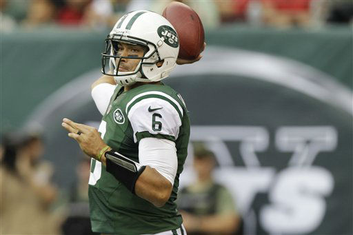 New York Jets quarterback Mark Sanchez &#40;6&#41; passes the ball during the first half of an NFL football game against the San Francisco 49ers Sunday, Sept. 30, 2012, in East Rutherford, N.J. &#40;AP Photo&#47;Kathy Willens&#41; <span class=meta>(AP Photo&#47; Kathy Willens)</span>