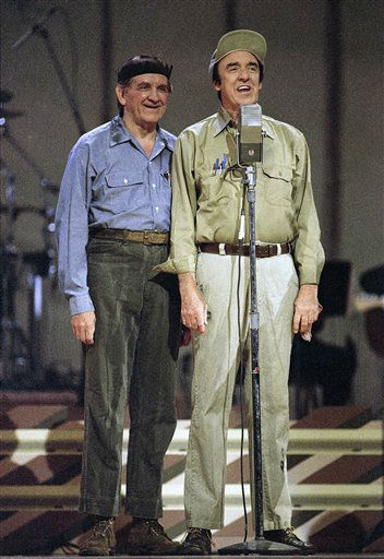 Jim Nabors with George Lindsey on May 7, 1992 in Nashville, Tennessee.&#40;The Andy Griffith Show&#41;  &#40;AP Photo&#41; <span class=meta>(AP Photo&#47; R4, N    XCJ)</span>