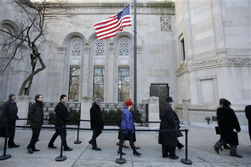 "<div class=""meta image-caption""><div class=""origin-logo origin-image ""><span></span></div><span class=""caption-text"">People enter a synagogue for the former New York City Mayor Ed Koch's funeral in New York, Monday, Feb. 4, 2013. Koch was remembered as the quintessential New Yorker during a funeral that frequently elicited laughter, recalling his famous one-liners and amusing antics in the public eye. Koch died Friday of congestive heart failure at age 88. (AP Photo/Seth Wenig) (AP Photo/ Seth Wenig)</span></div>"