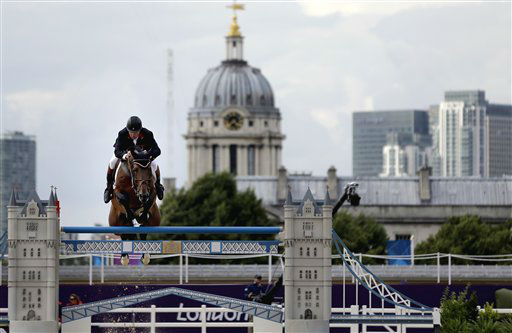 "<div class=""meta ""><span class=""caption-text "">Nick Skelton, of Great Britain, rides his horse Big Star, during a jump-off in the equestrian show jumping team competition at the 2012 Summer Olympics, Monday, Aug. 6, 2012, in London. (AP Photo/David Goldman) (AP Photo/ David Goldman)</span></div>"