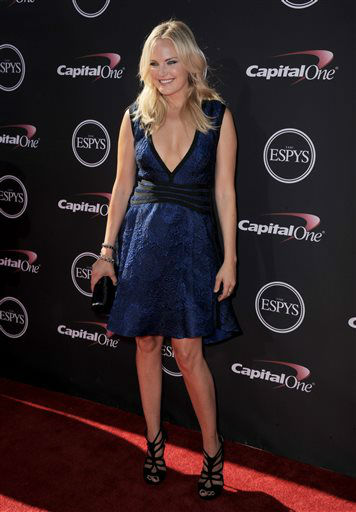 Actress Malin Akerman arrives at the ESPY Awards on Wednesday, July 17, 2013, at Nokia Theater in Los Angeles. &#40;Photo by Jordan Strauss&#47;Invision&#47;AP&#41; <span class=meta>(Photo&#47;Jordan Strauss)</span>