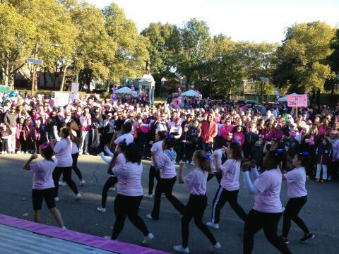 Eyewitness News reporter Darla Miles was in Jersey City for Making Strides Against Breast Cancer. What a lively crowd! <span class=meta>(WABC Photo)</span>