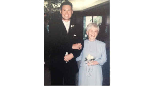 "<div class=""meta ""><span class=""caption-text "">Eyewitness News Sports Anchor Rob Powers and his mom.</span></div>"