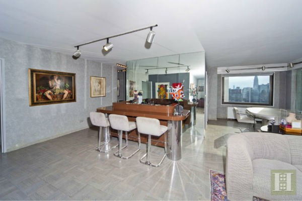 Billy Joel's former 2-bedroom, 2 1/2 bath co-op apartment at 303 E. 57th Street in Midtown Manhattan is currently on the market for $1.45 million. See the full description on broker  Elayne Reimer's page at Halstead Realty. Photos used with permission.