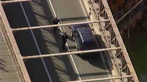 "<div class=""meta image-caption""><div class=""origin-logo origin-image ""><span></span></div><span class=""caption-text"">The Brooklyn Bridge was closed for over an hour on Memorial Day, while police searched an unattended vehicle.</span></div>"