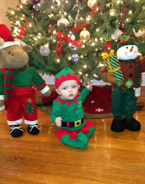 Enjoy these cute holiday pictures of kids and pets that were sent into Eyewitness News by viewers. <span class=meta>(WABC Photo)</span>
