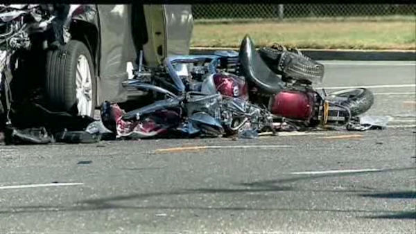 "<div class=""meta image-caption""><div class=""origin-logo origin-image ""><span></span></div><span class=""caption-text"">A motorcyclist was killed in a five-vehicle accident early Saturday morning in Bohemia, Long Island near the entrance to MacArthur Airport. (WABC Photo)</span></div>"