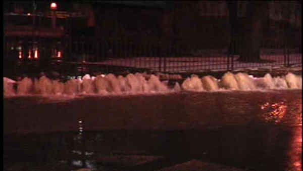 "<div class=""meta image-caption""><div class=""origin-logo origin-image ""><span></span></div><span class=""caption-text"">A water main break flooded streets in East Harlem and affected drivers on the Harlem River Drive Sunday night</span></div>"